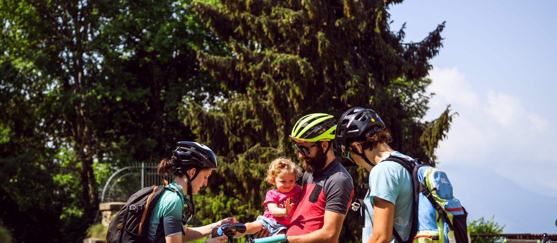 Vacanze in bici in montagna sull'Altopiano di Asia