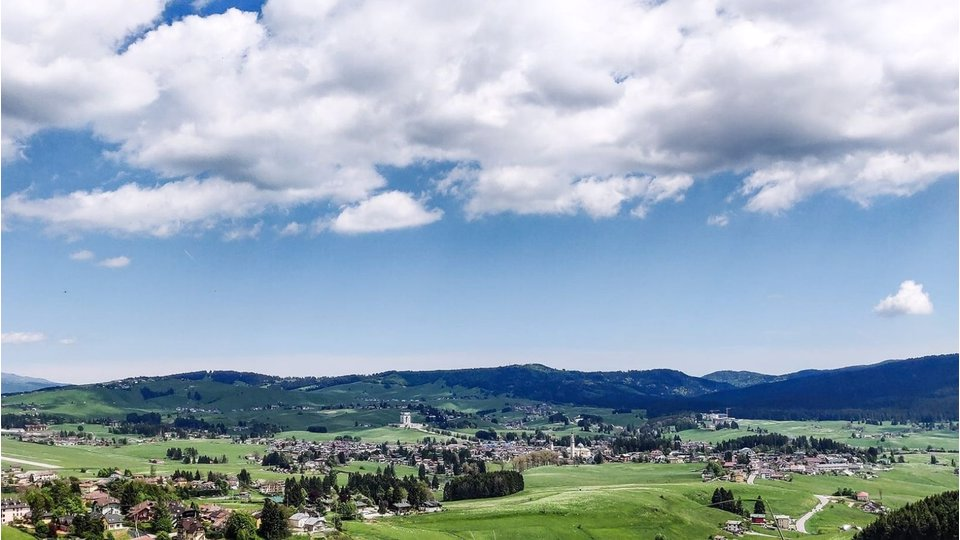 OFFER MOUNTAIN HOLIDAY ON THE ASIAGO PLATEAU